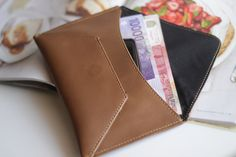 BASIC- Leather Envelope Wallet in Tan