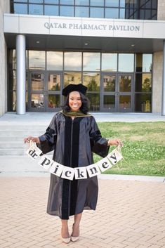Graduation — Audie J. Girl Graduation Pictures, Graduation Picture Poses, Graduation Portraits, Graduation Photoshoot, Graduation Photography, Grad Pics, Grad Pictures, Senior Pics, Senior Year