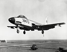 Image result for f2h banshee in rcn service Mcdonald Douglas, Royal Canadian Navy, Us Military Aircraft, Canadian History, Air Force, Cold War, Gallery, Aircraft, Planes