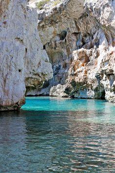 Stiniva Beach, Isle of Vis   Croatia (by Europe Trotter)