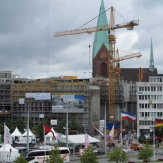 Kiel am #Schwedenkai. Der #Schwedenkai ist ein #Hafenkai am westlichen Ufer der Kieler #Förde direkt in der #Kieler Innenstadt.  キール市