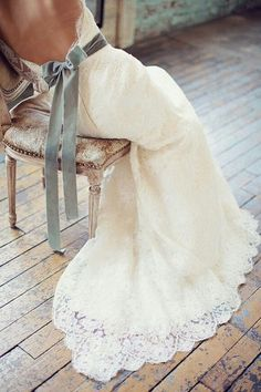 I am married so no dress like this for me but OMG!!! this is so gorgeous I just had to pin!!!