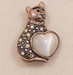 Silver-Tone-AB-Rhinestone-Cat-Brooch-with-Heart-Shaped-Milky-White-Stone
