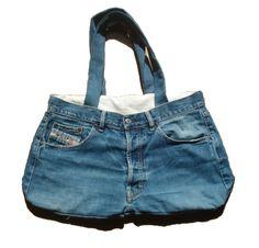 Heb je nog een oude spijkerbroek? Gooi hem niet weg, je kan er nog een tas van maken. Het is heel makkelijk!