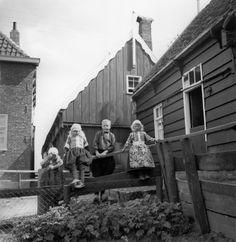 Marken (1935-1936) fotograaf: Thorbecke, Ellen #NoordHolland #Marken
