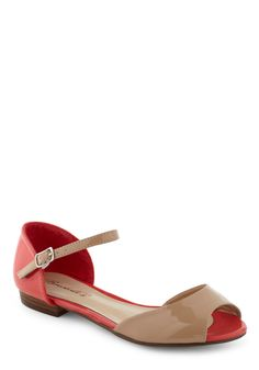Such cute shoes! I'm envisioning outfits to pair these with as we speak...