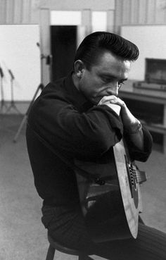 The Man In Black, Johnny Cash. Simple and gritty at times, less was more. I've collected his albums 'one piece at a time. Music Love, Music Is Life, Good Music, My Music, Tune Music, Music Film, Country Singers, Country Music, Solitary Man