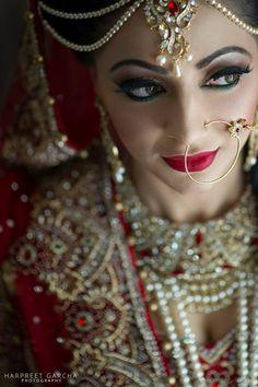 Bride in red Indian Wedding Bride, Desi Bride, Pakistani Wedding Outfits, Big Fat Indian Wedding, Desi Wedding, Pakistani Bridal, Bridal Outfits, Bengali Wedding, Indian Weddings