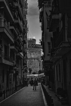 View of the White Tower in Thessaloniki, Greece (by Nikolaos Paggozidis) - my 'hood! Greece Quotes, State Of Grace, History Of Photography, Thessaloniki, Macedonia, Greece Travel, Travel Inspiration, Traveling By Yourself, Places To Visit