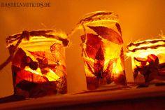 Windlicht basteln mit getrockneten Blättern und alten Gläsern. Zum Nachbasteln für den Kindergarten, Schulen oder einfach Zuhause.