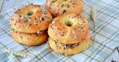 Incearca reteta pentru Covrigi la cuptor, recomandata de Teo Rogobete, din Bucataria Lidl! Covrigii la cuptor sunt o gustare minunata. Lidl, Bagels, Prosciutto, Bread, Recipes, Food, Brot, Essen, Eten
