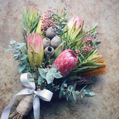 Protea Bridal Bouquet with exotic flowers Boquette Wedding, Autumn Wedding, Floral Wedding, Trendy Wedding, Wedding Blue, Spring Wedding, Wedding Events, Bridal Flowers, Fall Flowers