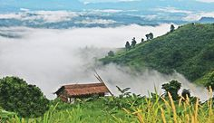 Sajek Valley is a remote hill 1800 feet top for the Sea level, completely secured by Bangladesh Army placed in Rangamati District of Bangladesh & Chittagong . Mount Everest Climbers, Bangladesh Travel, Green Landscape, Tourist Places, Famous Places, Countries Of The World, Tourism, Beautiful Places, Nature