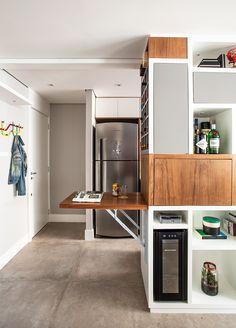 Apartamento de 57 m² com tons neutros e marcenaria inteligente | Arquitetura e Construção