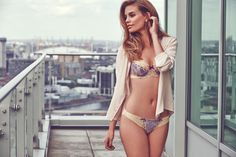 Elle Macpherson Intimates Artistry Contour Bra Set in Apricot Illusion/Clematis Blue #SecretsOfTheCity #AW14Lingerie #figleaves