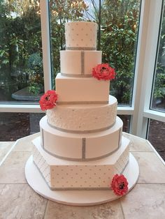 This catering company Atlanta serves up wickedly delicious plates perfectly designed by A Divine Event. Hexagon Wedding Cake, Diamond Wedding Cakes, Cake Wedding, Salmon Wedding, White Salmon, Modern Cakes, Catering Companies, Served Up, Custom Cakes