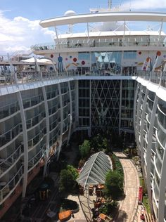 Vue du 16e deck le Central Park de l'Allure of the Seas (Avril 2013)