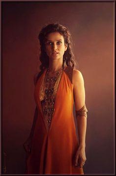 Ellaria Sand (Indira Varma) - Game of Thrones Game Of Thrones Costumes, Game Of Thrones Tv, Got Costumes, Movie Costumes, Costume Ideas, George Rr Martin, Indira Varma, Winter Is Coming, Game Of Thrones
