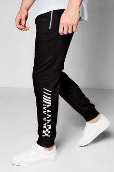 boohoo Slim Fit MAN Jogger With Checkerboard Print Mens Joggers Sweatpants, Mens Jogger Pants, Sports Trousers, Black Joggers, Sport Pants, Mens Tracksuit, Mens Capri Pants, Stylish Mens Fashion, Stylish Menswear