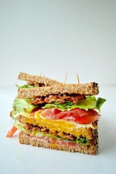 Breakfast BLT Sandwich is amazing with fresh tomatoes. Perfect for first thing in the morning! Click through for recipe! Savory Breakfast, Breakfast Dishes, Breakfast Time, Breakfast Recipes, Breakfast Sandwiches, Sandwich Pictures, Pork Recipes, Cooking Recipes, Little Lunch