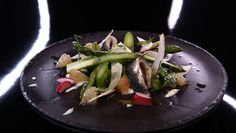 - Salade d'asperges- Radis pickles- Condiment yaourt pamplemousse