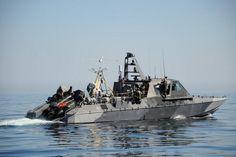Mk5特殊任務艇。アメリカのホルターマリン社によるボート。主にNavy SEALs(アメリカ海軍の特殊部隊)の中距離用プラットフォームとして使用される。他にもスキャンイーグルUAV(無人航空機)をボート上から発射可能。