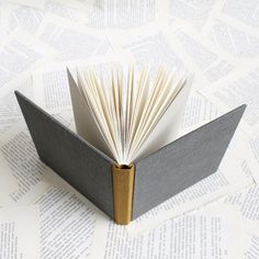 paperiaarre   sewn boards binding – linen variations   http://www.paperiaarre.com