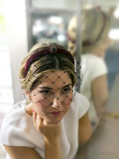 Spectacular headbands for unique guests like Photography: @ . - Spectacular headbands for unique guests like Photography: Make up & Hair: - Fascinator Headband, Wide Headband, Fascinators, Hat Hairstyles, Trendy Hairstyles, Headdress, Headpiece, Wedding Guest Looks, Millinery Hats