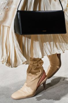 20 - Jil Sander Fall 2020 Fashion Show Details Fashion Shoes, Fashion Accessories, Fashion Tips, Women's Fashion, Crop Top Shirts, Glitter Shoes, Confident Woman, Sock Shoes, Fab Shoes