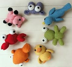 Sweet little crochet animals - I want to learn to crochet again!! Theres so many cool things you can do with it!!