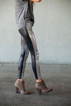 tee, leggings, boots
