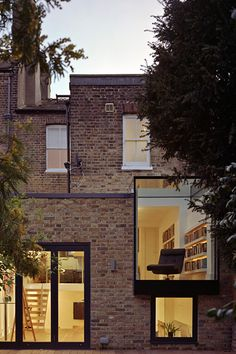 cabbagerose: private residence, london/coup de ville architects via… Brick Architecture, Residential Architecture, Contemporary Architecture, Architecture Details, Interior Architecture, System Architecture, Architecture Student, Landscape Architecture, Brick Facade