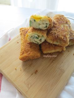Resep risoles rogout ayam kucai (Risoles rogout chicken chives recipe). for full recipe please visit my blog at simplymycorner.worpress.com