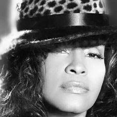 I Will Always Love You Whitney Houston Lyrics - Music Videos With Lyrics Beverly Hills, Whitney Houston Pictures, Womens Worth, Vintage Black Glamour, Beautiful Voice, Simply Beautiful, Jim Morrison, Always Love You, Mariah Carey