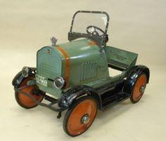 vintage Hudson pedal car
