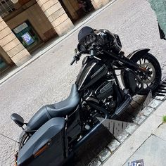 Vendo Street Glide Special - Nuovo annuncio Harley-Davidson #Harley #Touring #ABS #StreetGlideSpecial #Savona Harley Davidson Street Glide, Harley Davidson Bikes, Street Glide Special, Biker T Shirts, Biker Style, Touring, Military, Abs, Vehicles