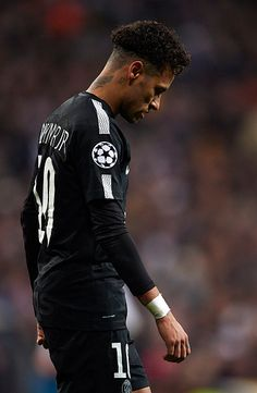 MADRID, SPAIN FEBRUARY Neymar of Paris Saint Germain reacts during the UEFA Champions League Round of 16 First Leg match between Real Madrid and Paris Saint Germain at Bernabeu on February 2018 in Madrid, Spain. (Photo by Manuel Queimadelos Alons Neymar Barcelona, Best Football Players, Soccer Players, Nike Sports, Cristiano Ronaldo, Paul Pogba Manchester United, Neymar Jr Wallpapers, Mbappe Psg, Cr7 Messi