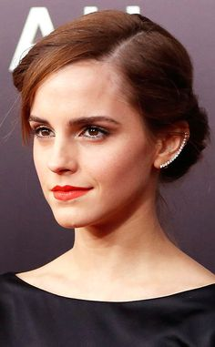 Brinco delicado ear cuff da Emma Watson