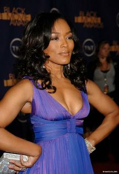 Angela Bassett Young | Angela Basset Set To Co-Executive Produce And Star In New NBC Drama