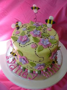 A baby bee cake!!