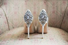Gorgeous Badgley Mischka shoes to bring some sunshine!  See more here: https://www.instagram.com/p/BLJGniqg1a3/?taken-by=williamsburgphoto&hl=en