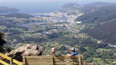 El monte Castelo estrena banco con vistas a la ría de Viveiro