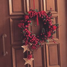 Christmas wreaths for the front door. Order yours today. Christmas Wedding Decorations, Christmas Wreaths, Holiday Decor, Thessaloniki, Mistletoe, Jingle Bells, Berries, Floral Wreath, Bouquet