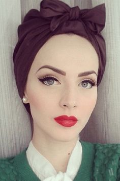 Makeup 30 Modern and Stylish Hijab Wrap Ideas for Women with Oval Faces - Women blessed with an oval face, here are 30 beautiful hijab wrap ideas to revamp the way you wear your hijab! Pin Up Makeup, Retro Makeup, Makeup Tips, Beauty Makeup, Hair Makeup, Makeup Ideas, Teen Makeup, Full Makeup, Make Up Looks