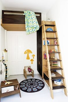 repurposed ladder bookcase storage with kids loft bed.Awesome for a SMALL bedroom! Loft Spaces, Kid Spaces, Small Spaces, Small Rooms, Space Kids, Stair Shelves, Ladder Shelves, Ladder Storage, Storage Area