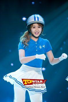크레용팝(Crayon Pop) 금미, '울라울라~' … MBC뮤직 '쇼 챔피언' 방송 현장