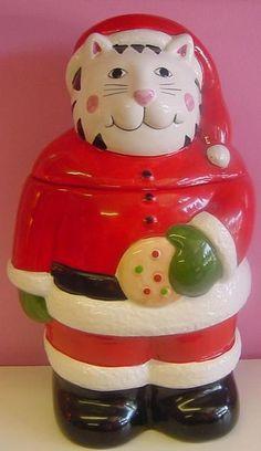 Santa Cat cookie jar//Cookie jars & retro kitchen accessories at Jazz'e Junque Chicago ~ www.jazsejunque.com