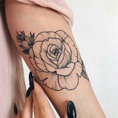 Artista : @veronicalilu ⭐ Estamos também no : @ttblackink ❤@flash_work @tattooingg _ Parceria @thinkbeforeuink @linkforink ____________________________________ #blacktattoo#tattooed#fineliner #darkartists#tatuaje#dotwork#liner#nice#onlyblackart#blackwork#line#inked#ink#tattoo#tattooartist#linework#tattooart#blackarts#art#instaart#artwork#tatuaje#blackandgrey#love #heart#cute