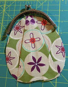 A Quilter's Table: Zakka Along Week 22 :: Pleated Coin Purse