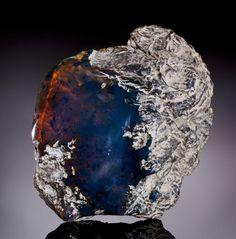 青琥珀 (ブルーアンバー) Rare Blue Amber